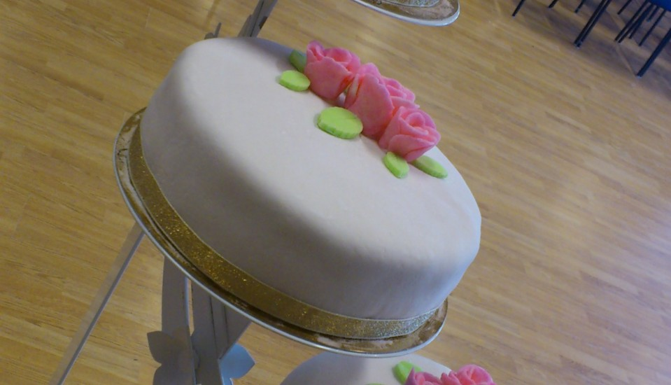 wedding cake-cropped