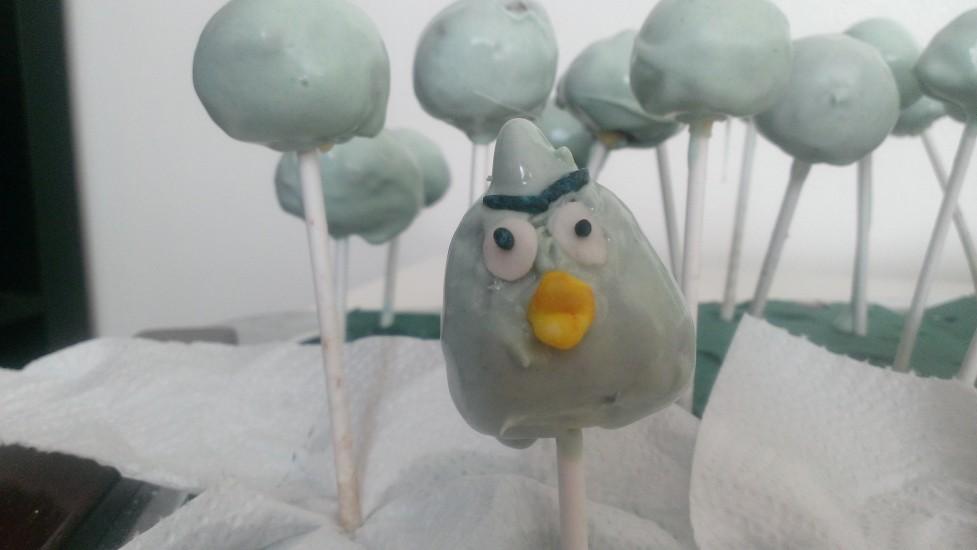 Angry Bird Cake Pop